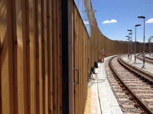 Rail noise barrier